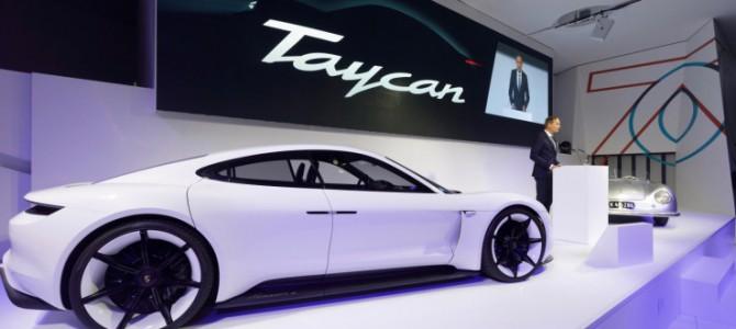 【話題】ポルシェ初の電気自動車Taycanの予約が3万件超え