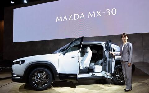 【話題・2019モーターショー】マツダ初の量産EV「MX-30」の開発主査、竹内都美子さんに聞く開発秘話