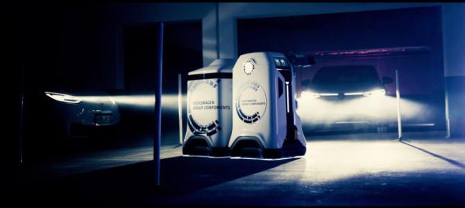 【インフラ・自動運転】フォルクスワーゲンがEV充電ロボットのプロトタイプを開発
